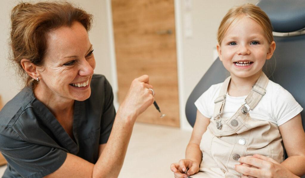 Zahnarzt in Dortmund auch für Kinder da eckig